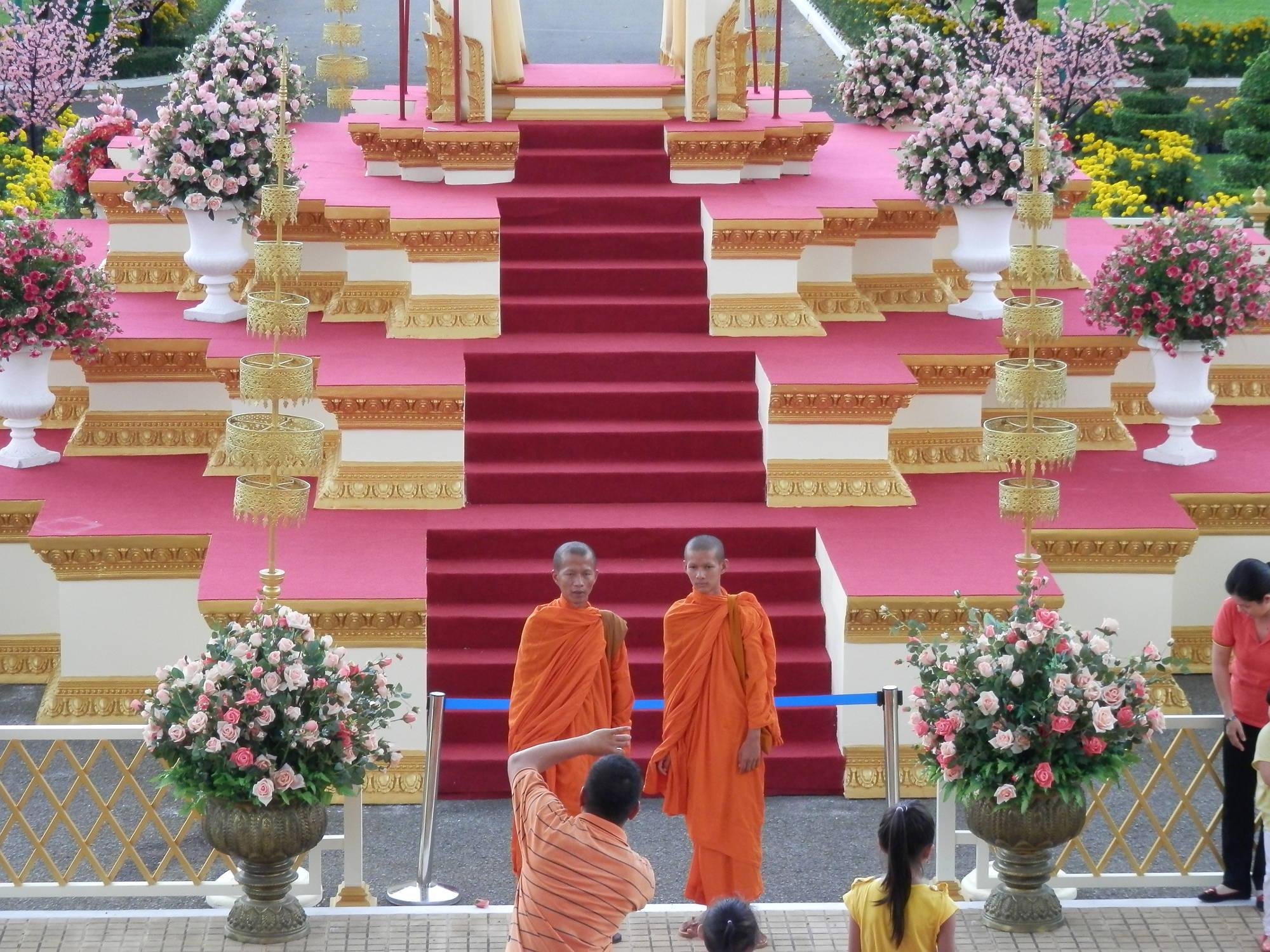 カンボジア ロイヤルパレスのお坊さん