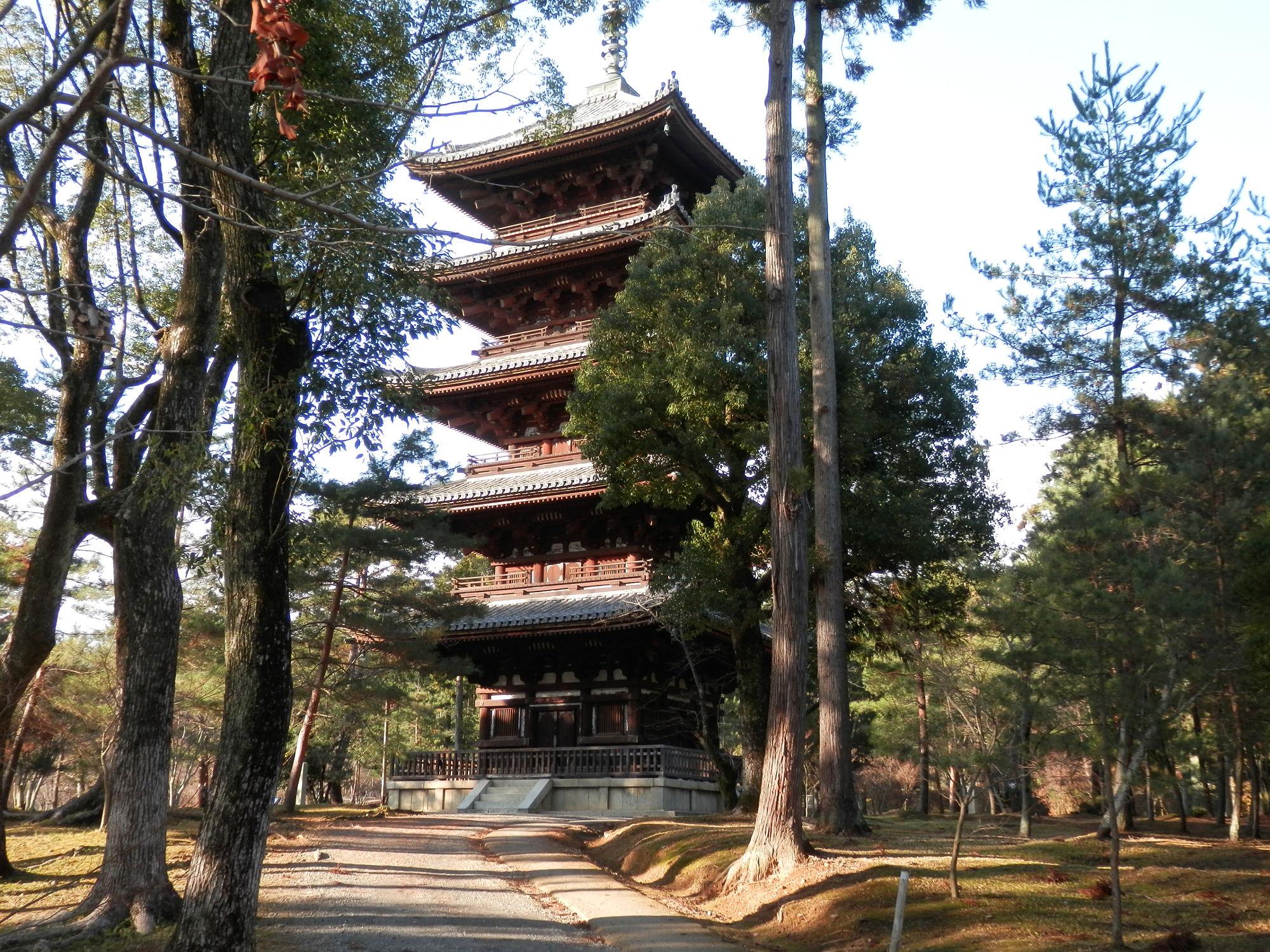 京都仁和寺の五重塔