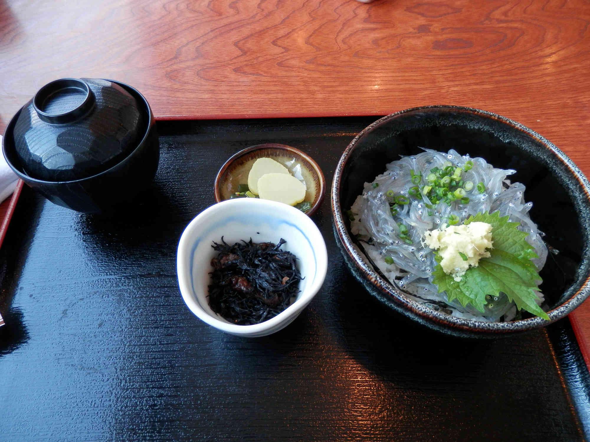 鎌倉江ノ島「しらす丼」