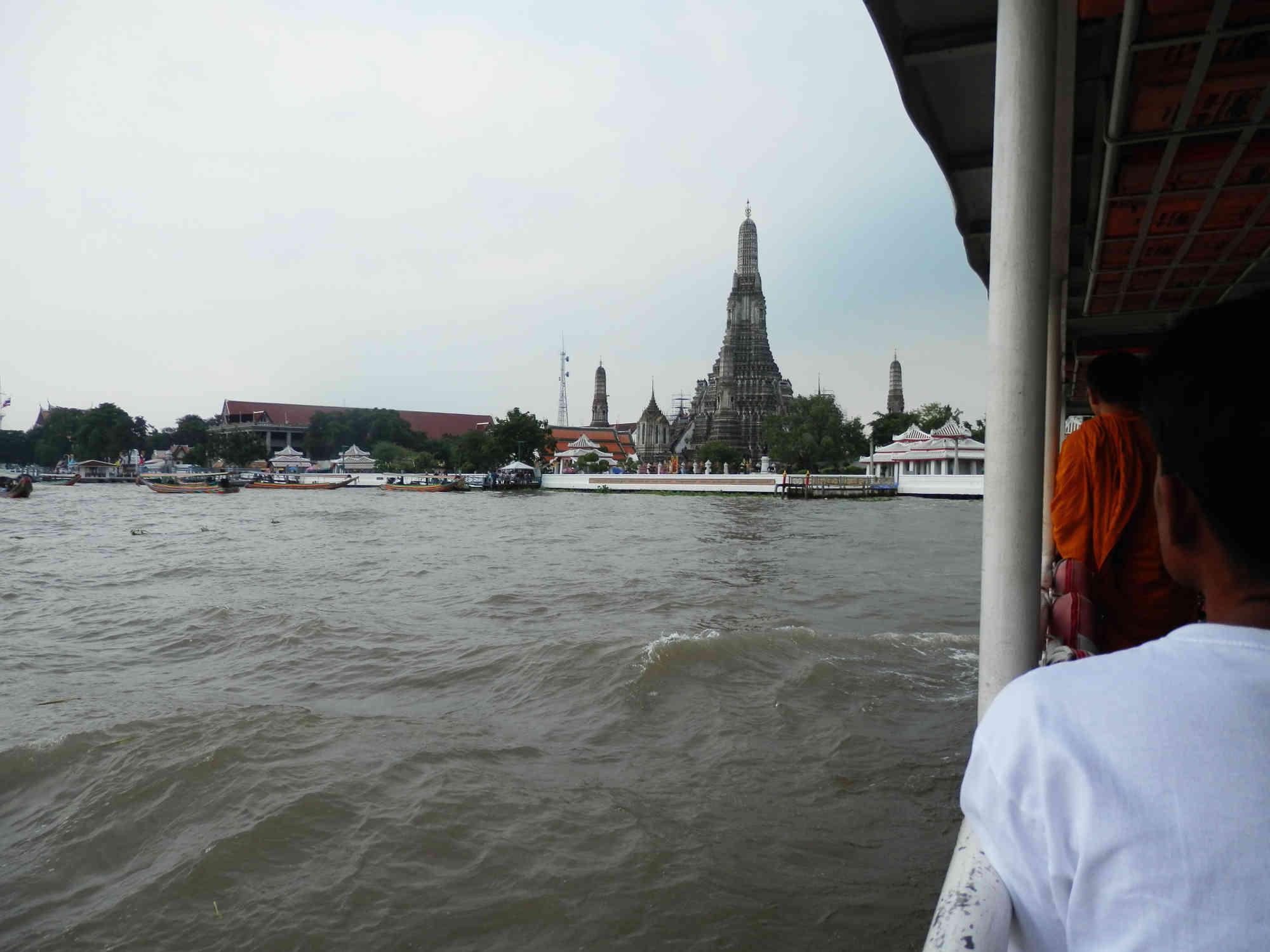 チャオプラヤー川 渡し船