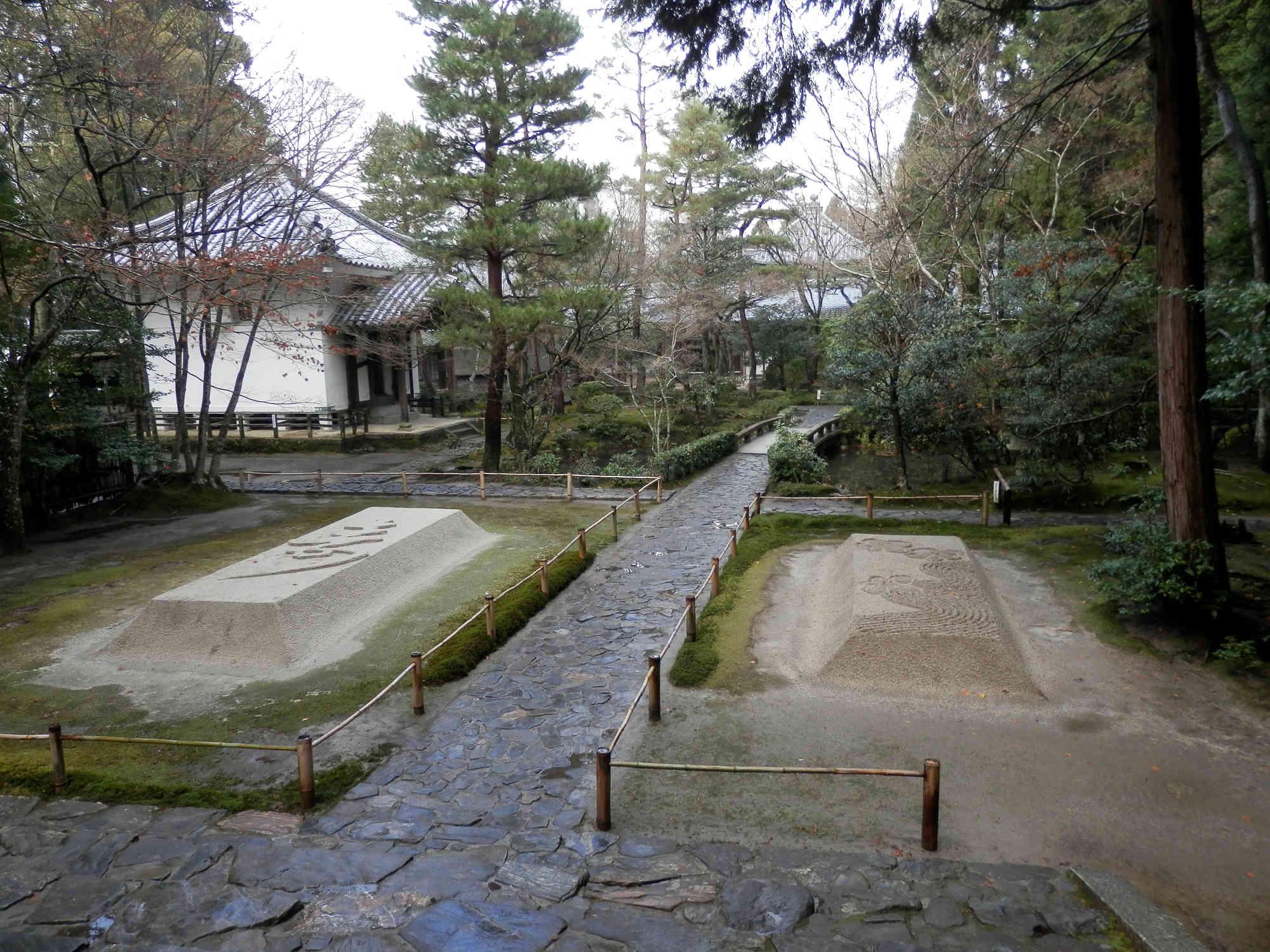 京都法然院の境内