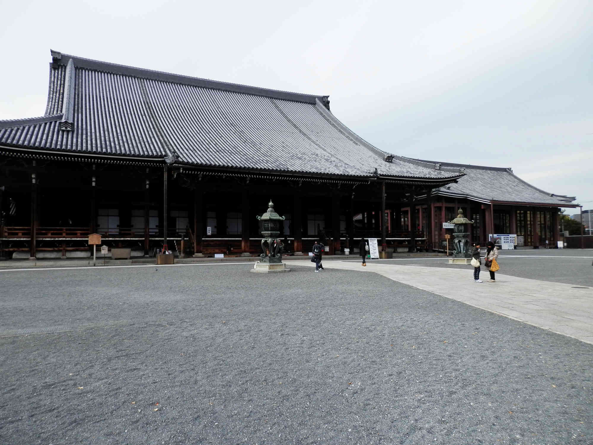 西本願寺の境内
