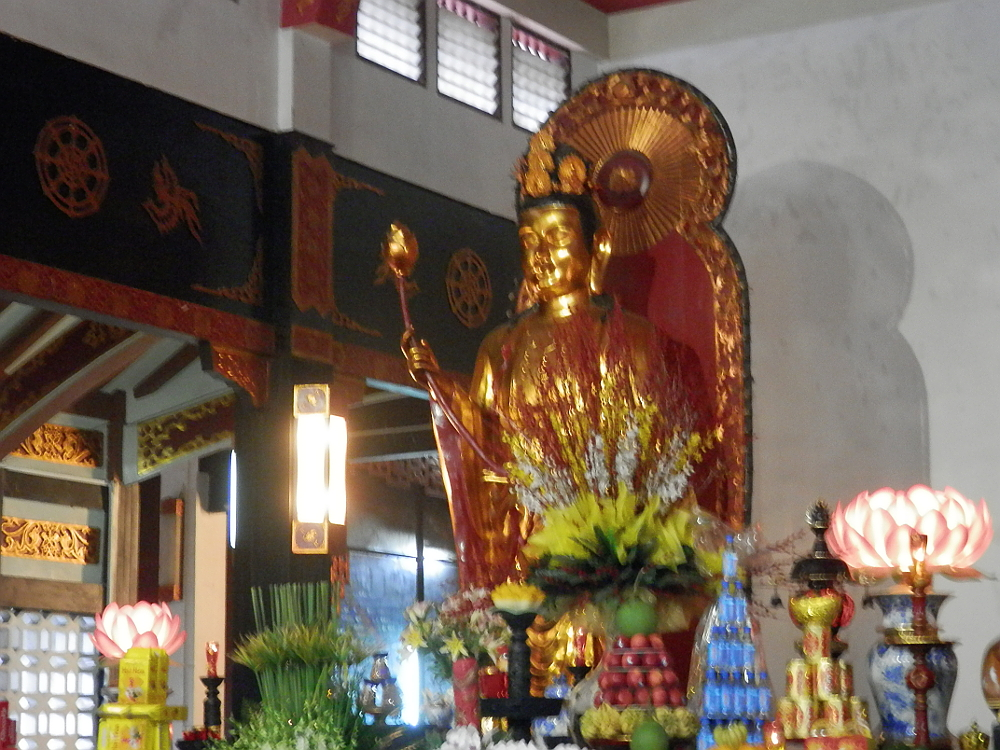 永厳寺の黄金の仏像