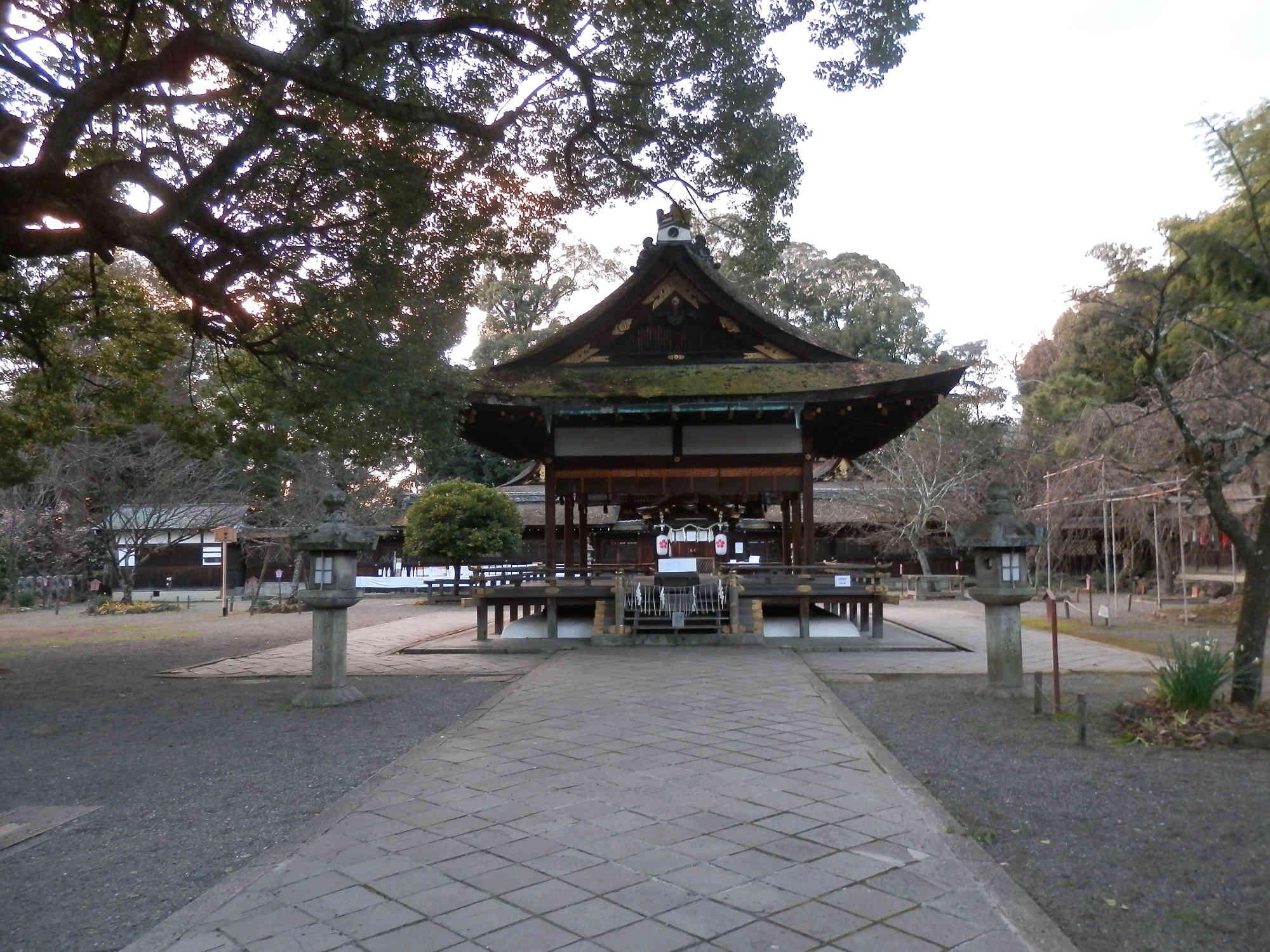 平野神社の拝殿