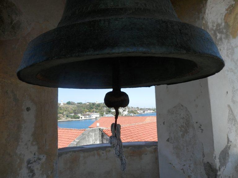 ハバナ フエルサ要塞 2階の塔の鐘