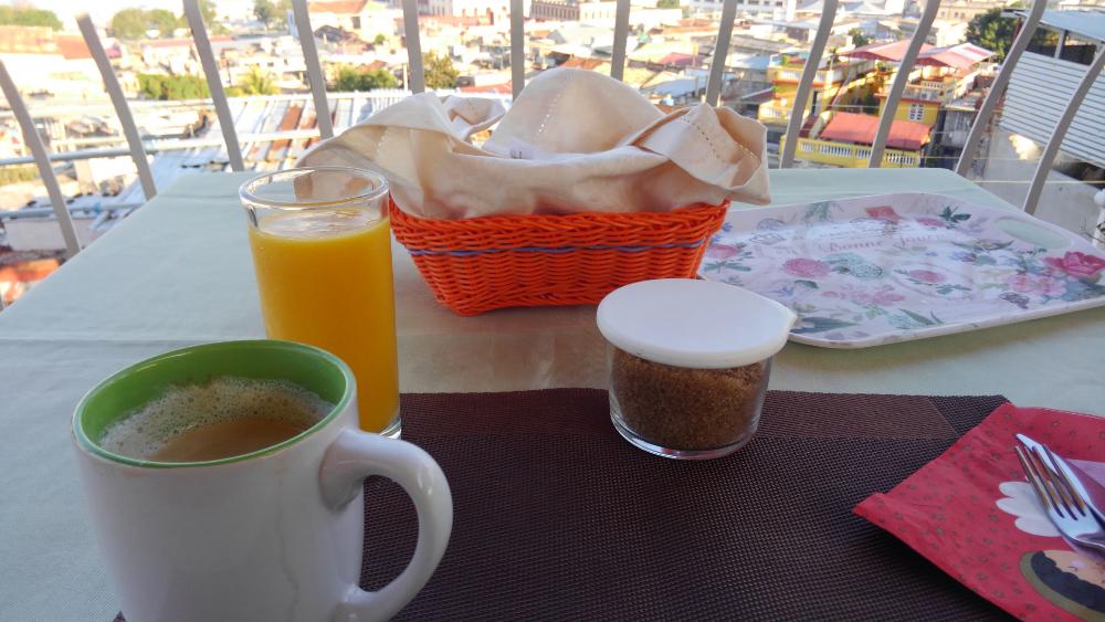 サンティアゴデクーバ 朝食