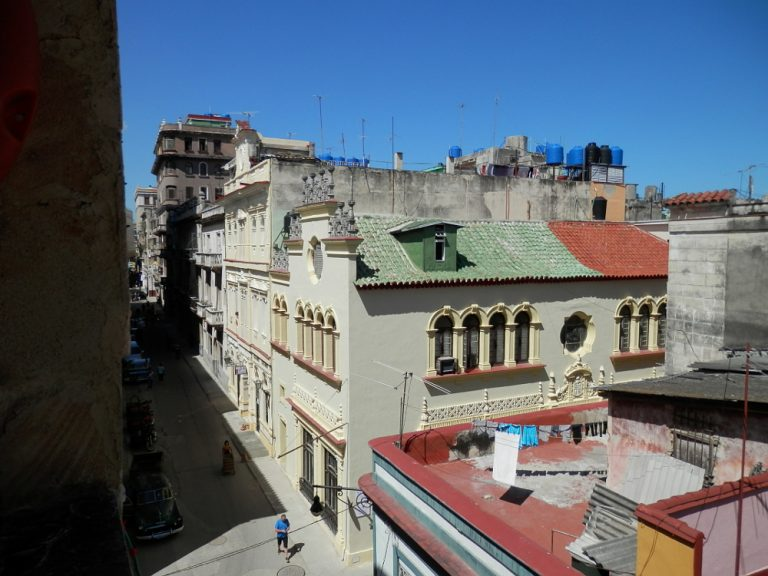 ハバナ旧市街地の街並み