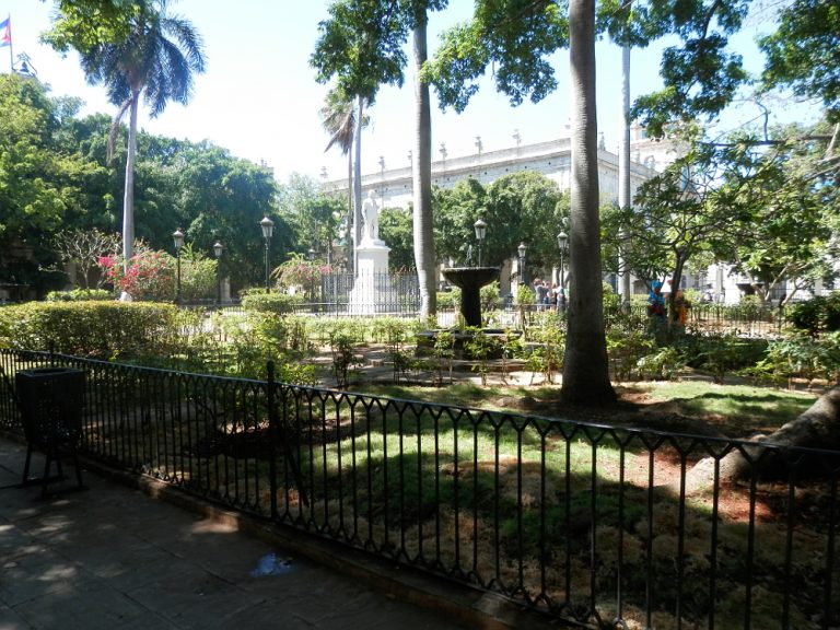 ハバナ アルマス広場