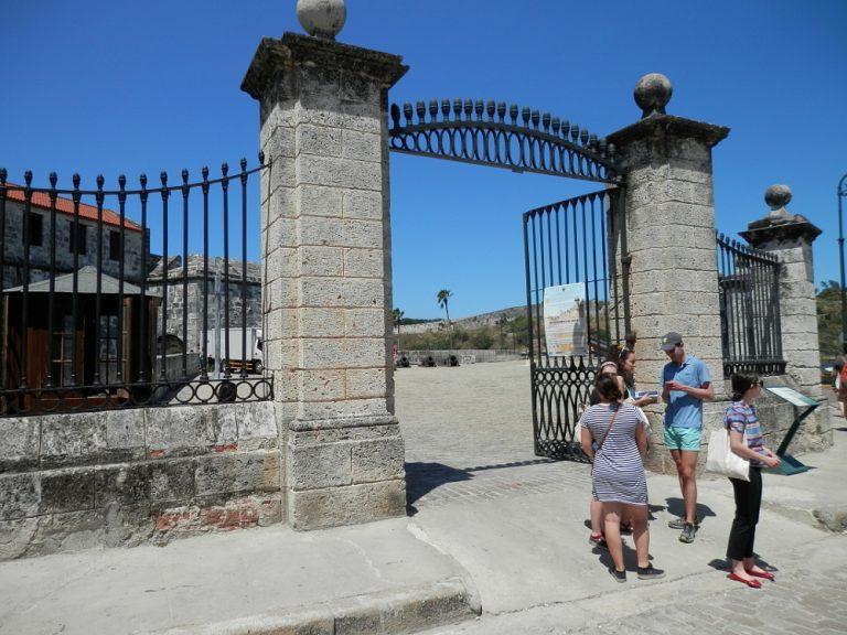 ハバナ フエルサ要塞 入り口の門