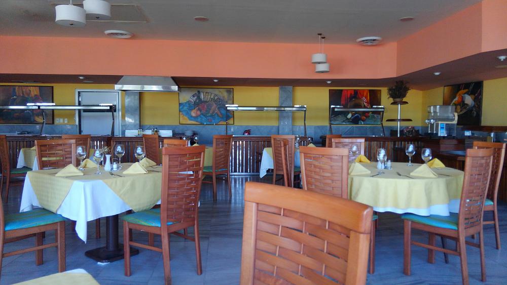 フベントゥド島 ホテルのレストラン