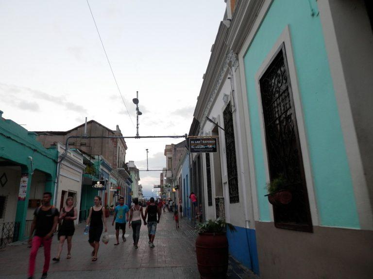サンティアーゴ・デ・クーバ メイン通り04