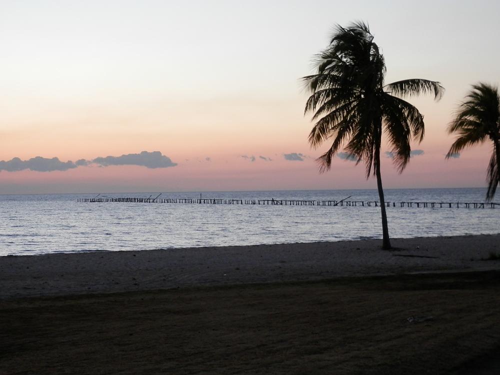 フベントゥド島 夕方のビーチ