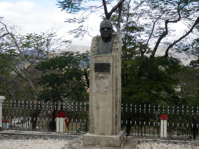 サンティアゴ・デ・クーバ コブレ教会 像02