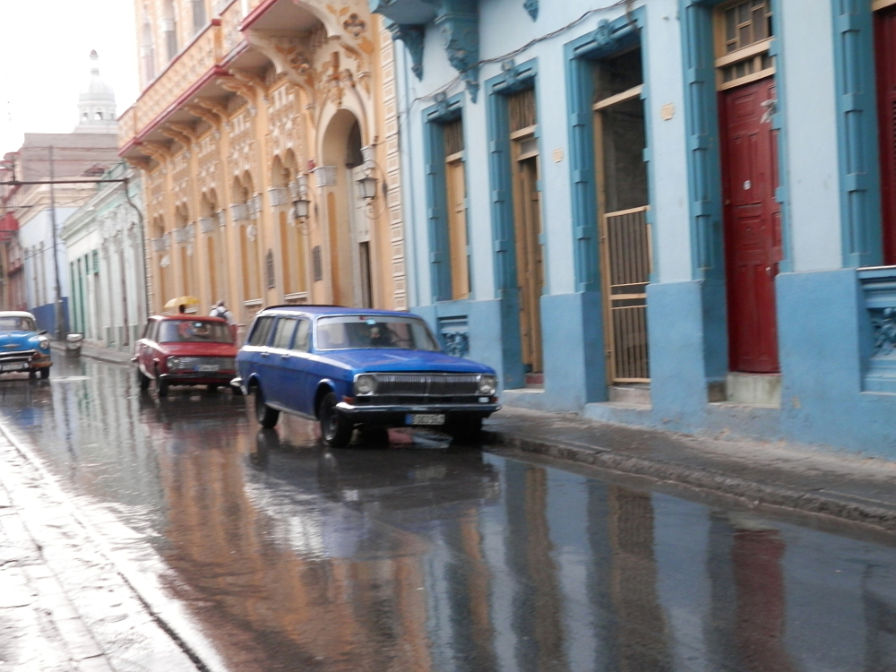 サンティアゴ・デ・クーバ 雨上がりの街並み03