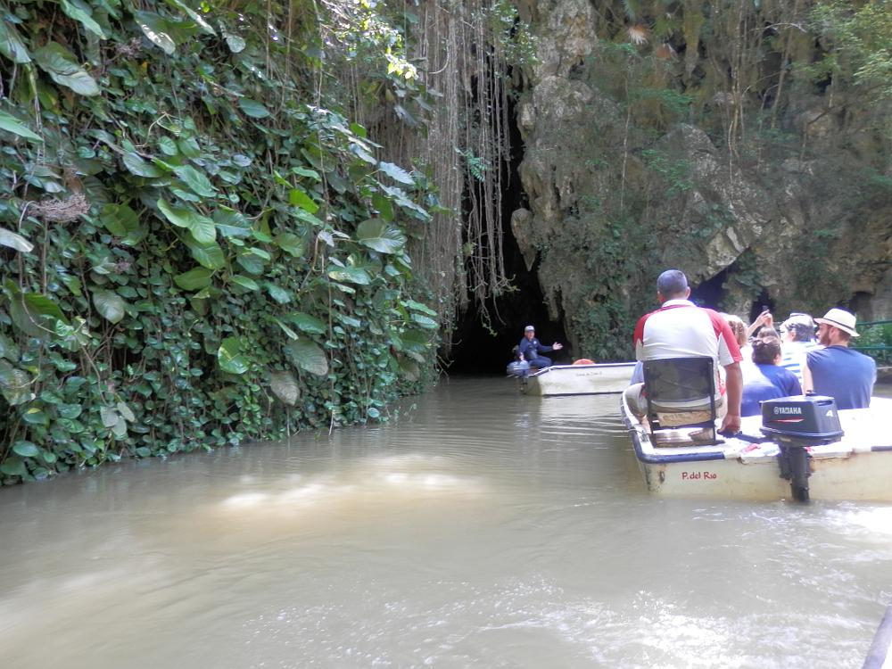 ビニャーレス渓谷 ボートツアー