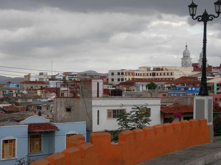 サンティアゴ・デ・クーバ 雨