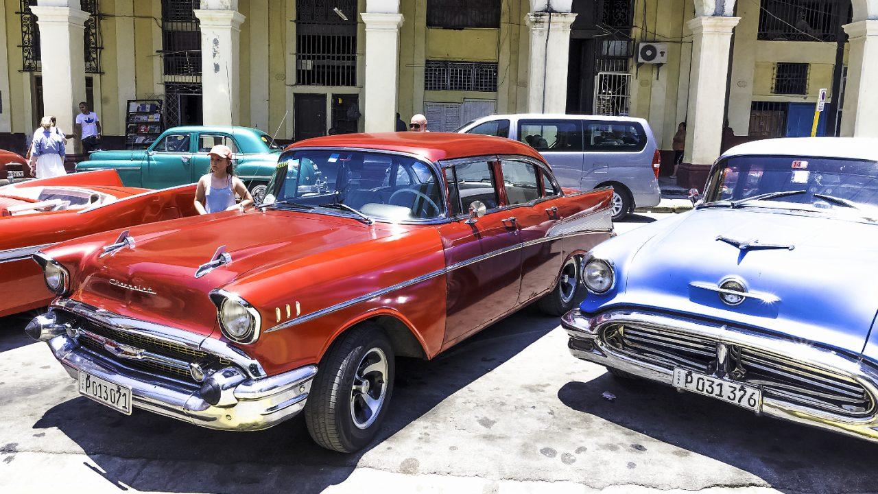 キューバ クラシックカー