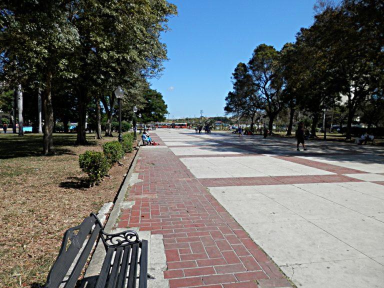ハバナ 革命博物館前の広場