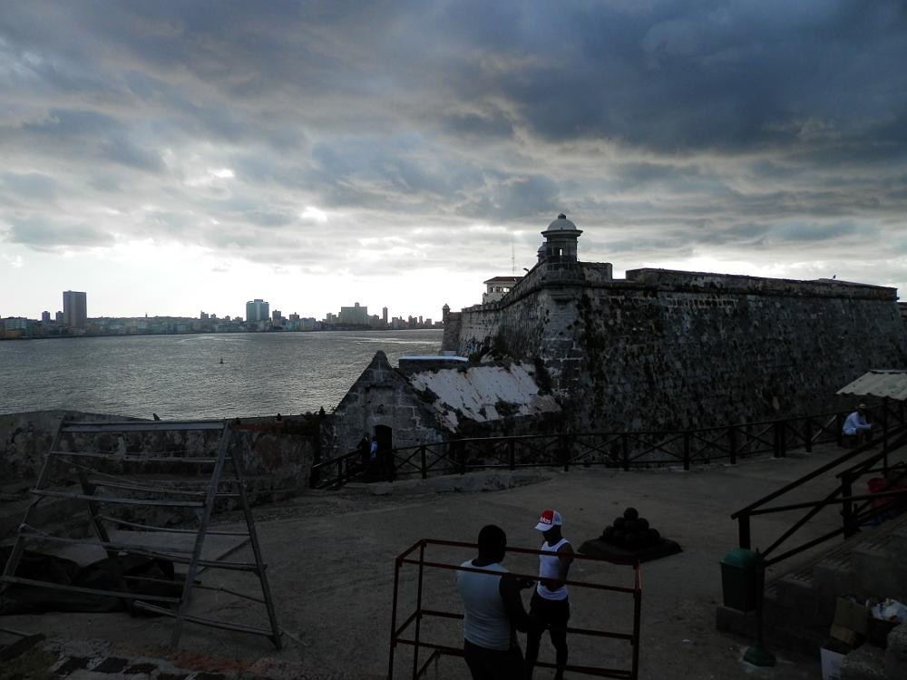対岸の旧市街地