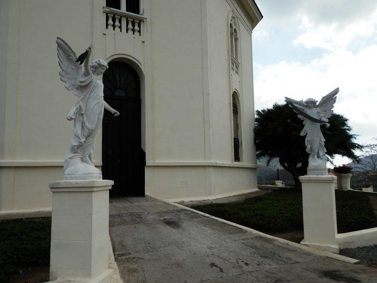 サンティアゴ・デ・クーバ コブレ教会の裏