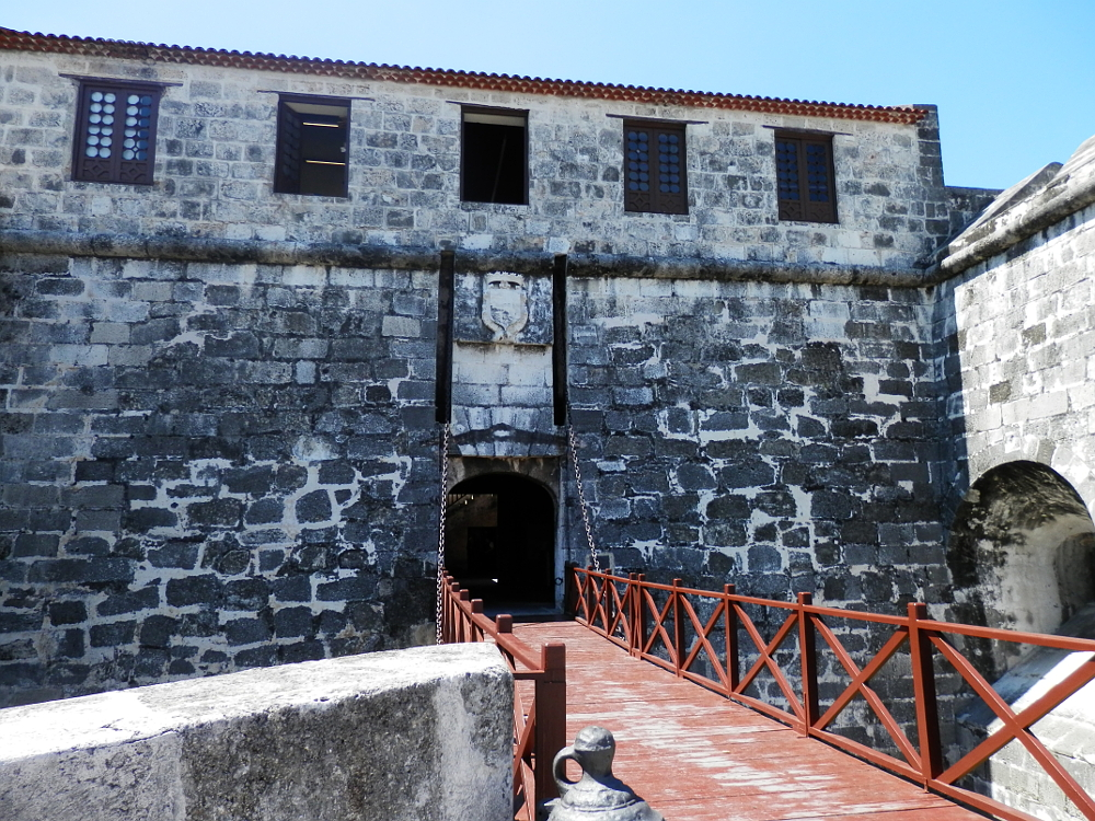 ハバナ フエルサ要塞 入り口の橋