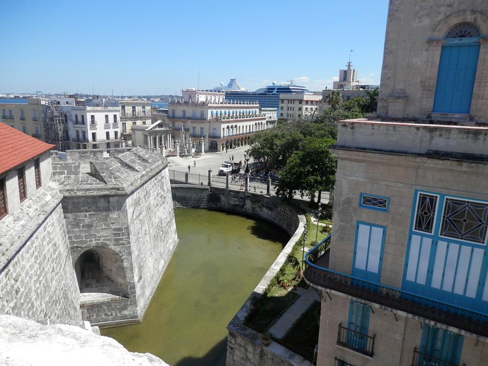 キューバハバナのフエルサ要塞から見た風景