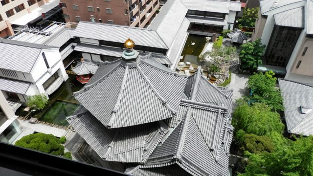 六角堂 六角形の屋根02