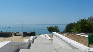 シェフチェンコ モニュメント近くの海岸