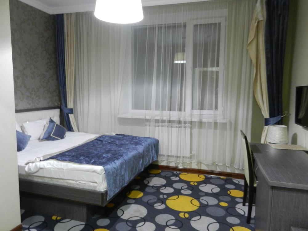 Mildom Hotel Room