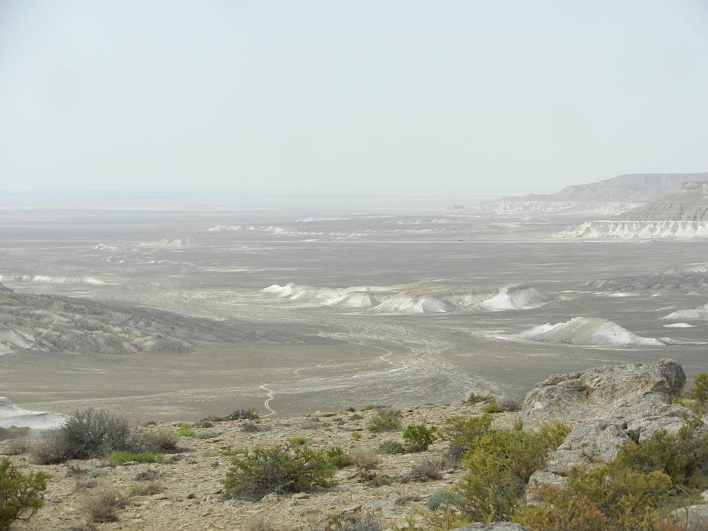 上から見たトゥズバイル塩湖