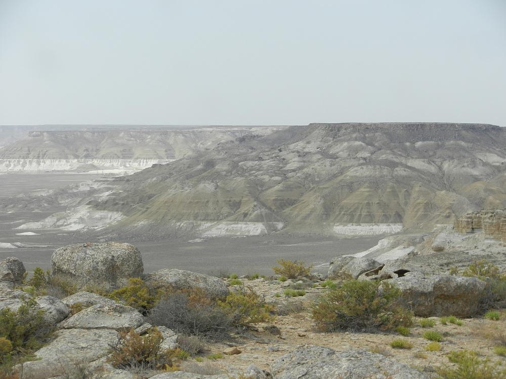 上から見たトズバイル塩湖