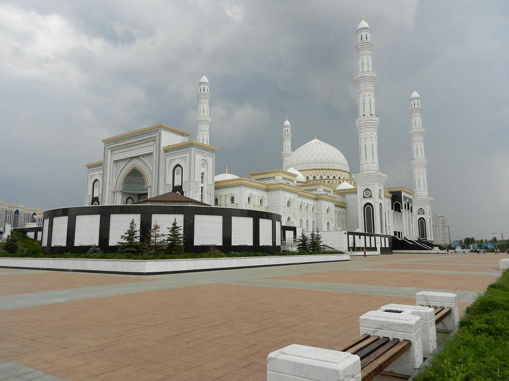 ハズィレット・スルタン・モスク(Hazrat Sultan Mosque)