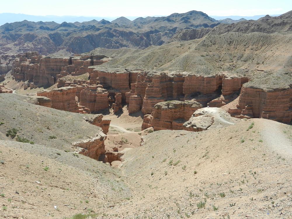 上から見たチャリン・キャニオン(Charyn Canyon)
