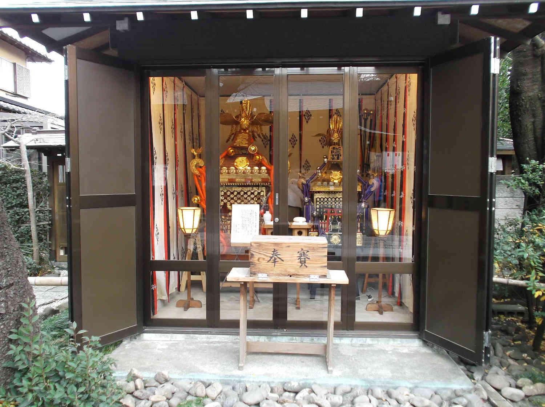 松陰神社の神輿庫