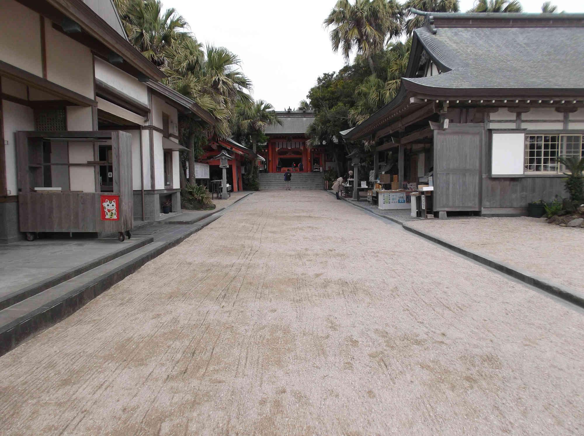 本殿への参道