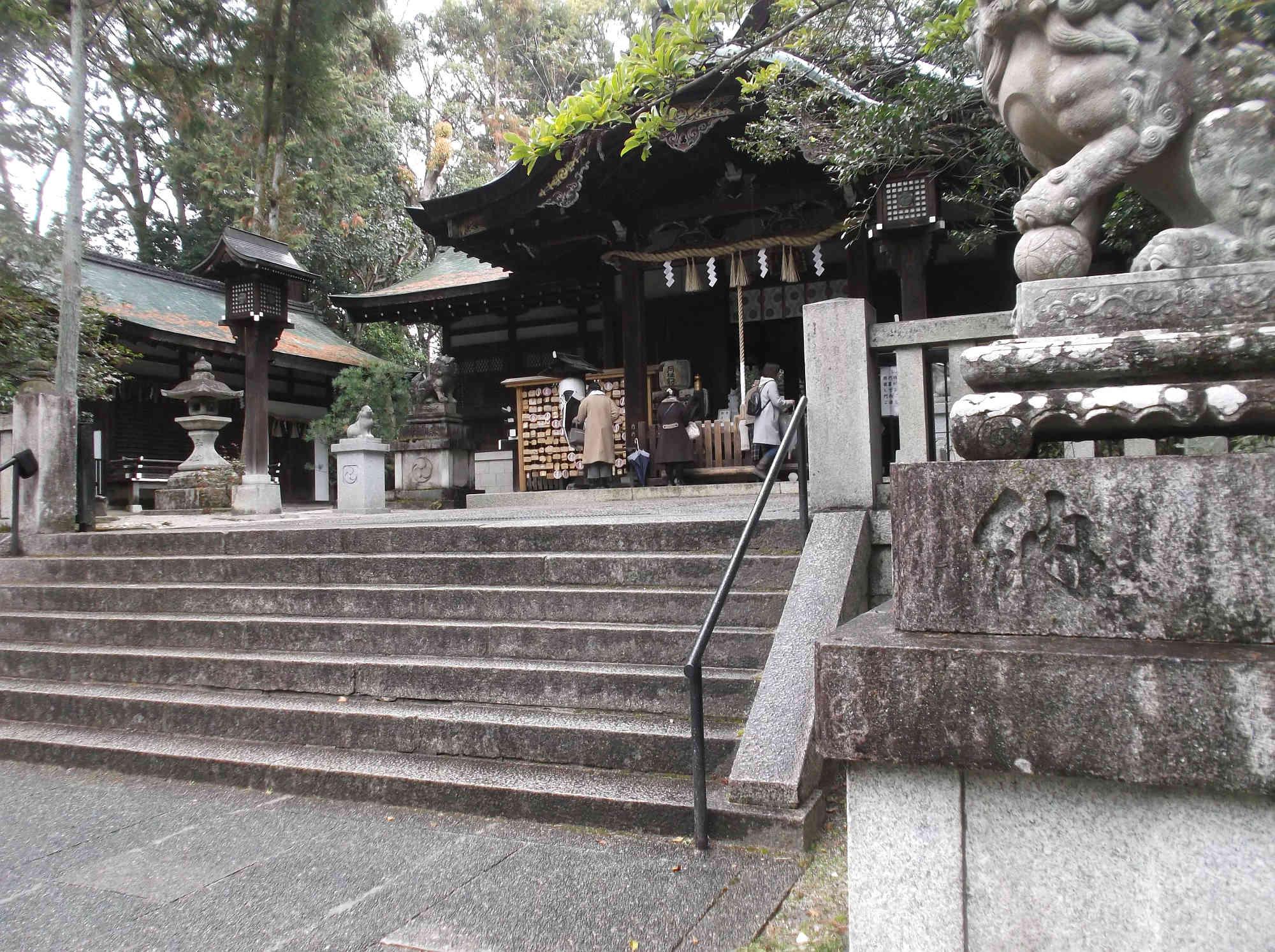 岡崎神社の本殿