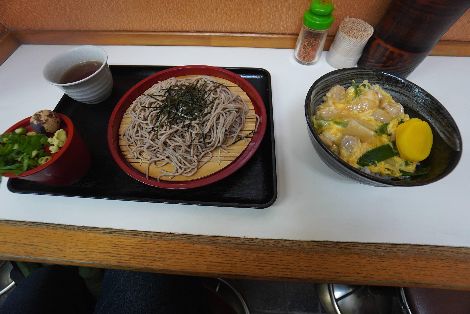 大阪 田舎家のざるそばと親子丼