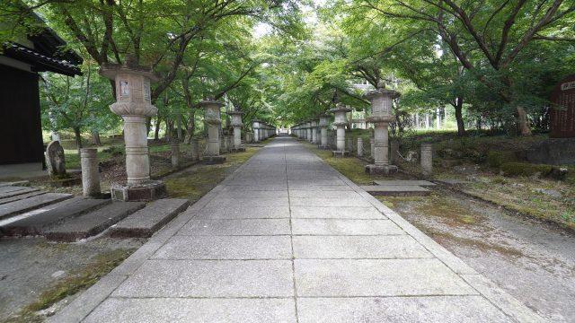高山寺の参道