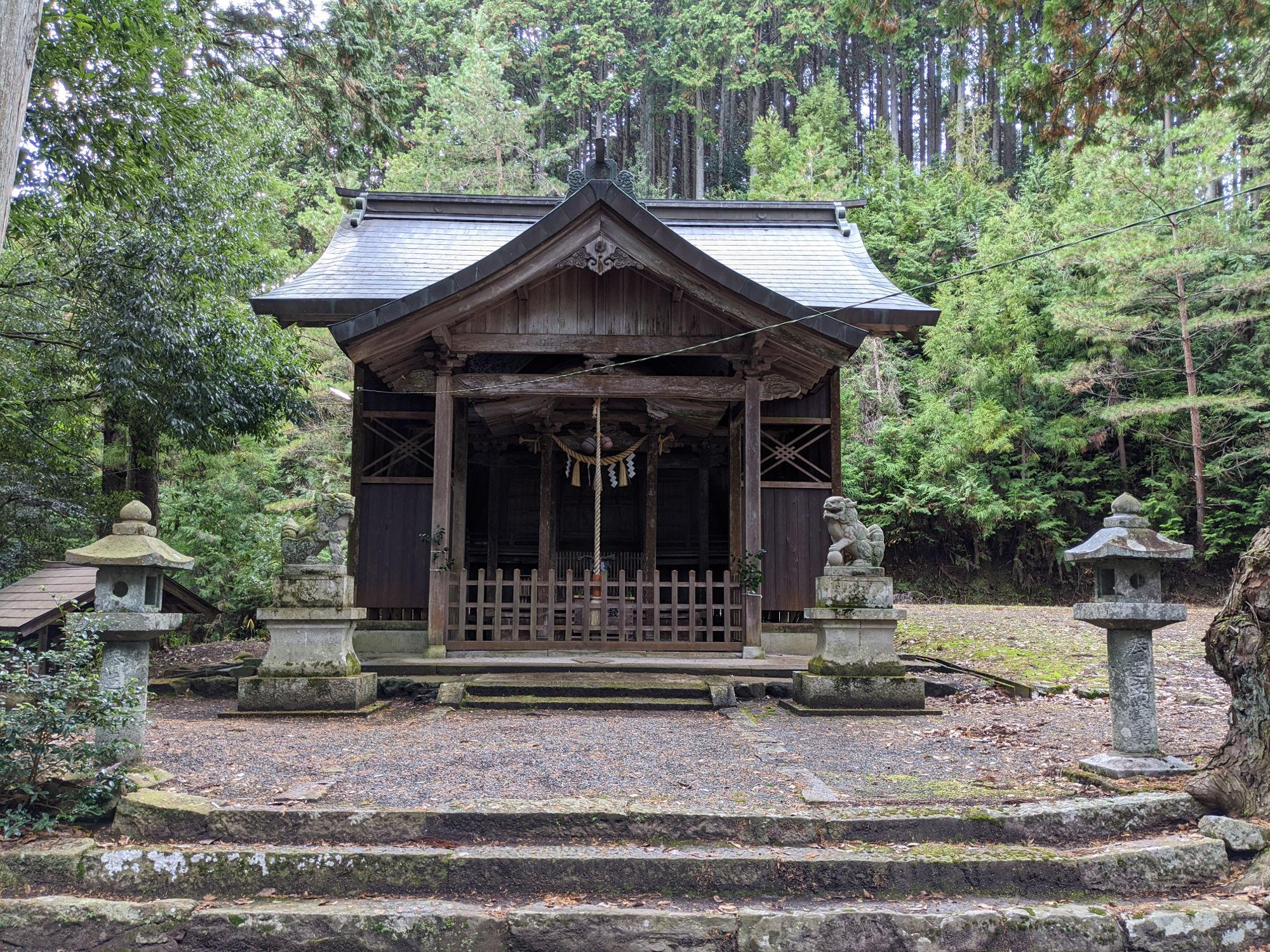 青垣町山垣の八幡神社
