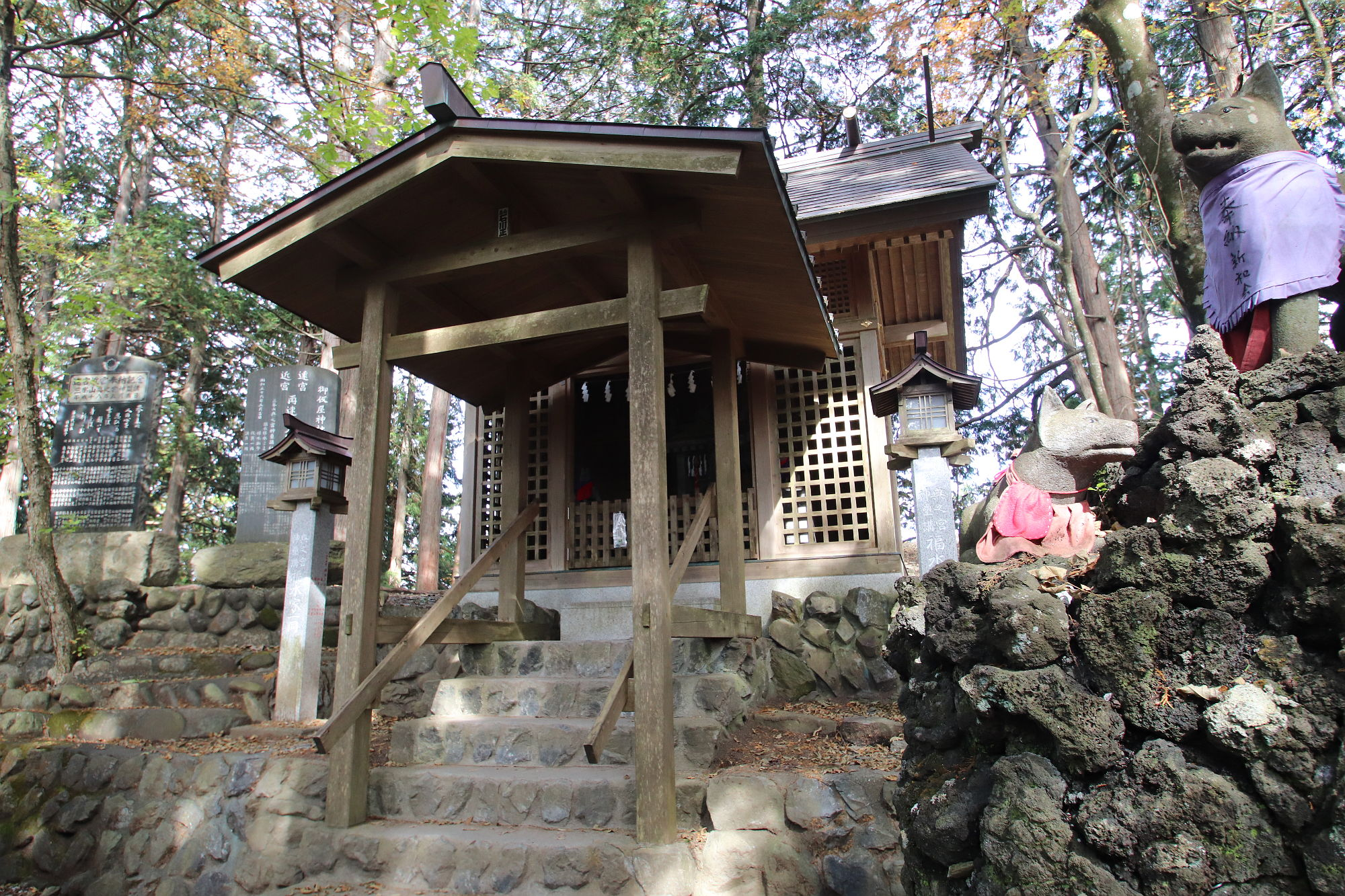 三峰神社 遠宮(お仮屋)