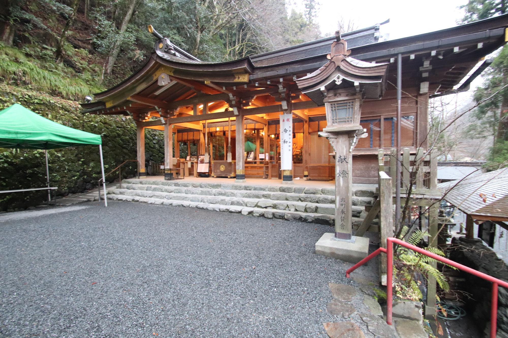 貴船神社「拝殿」