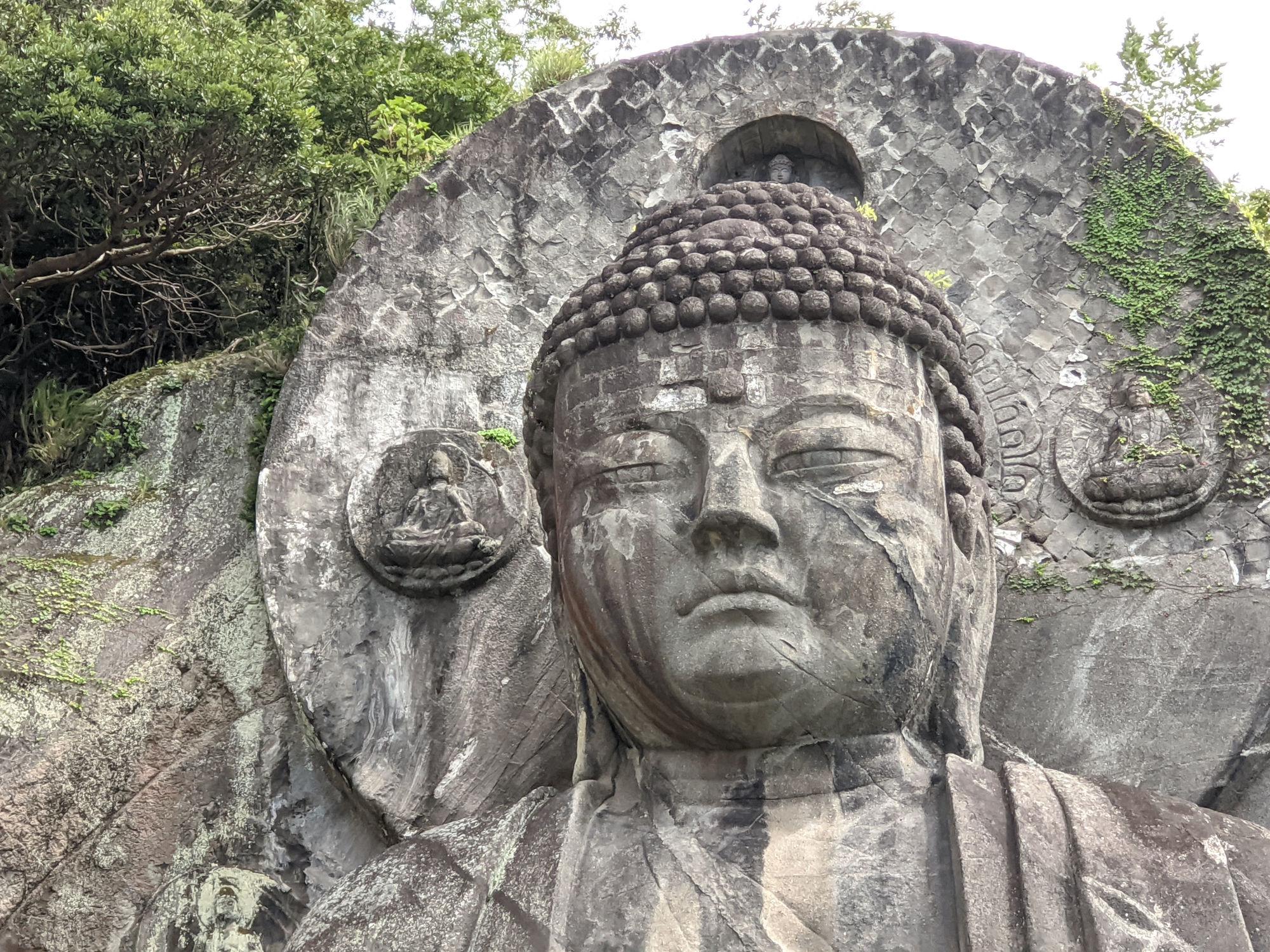 日本寺の巨大大仏の顔